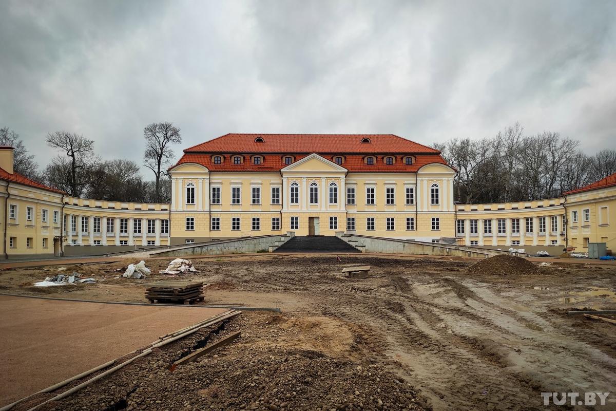 Усадьба с трудной судьбой. Как идет реконструкция дворца в Святске и как он выглядит сейчас