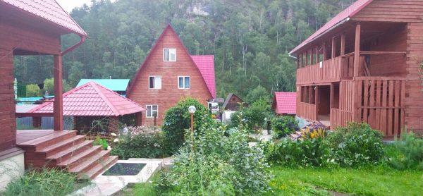Большой выбор отелей и гостевых домов в Алтае