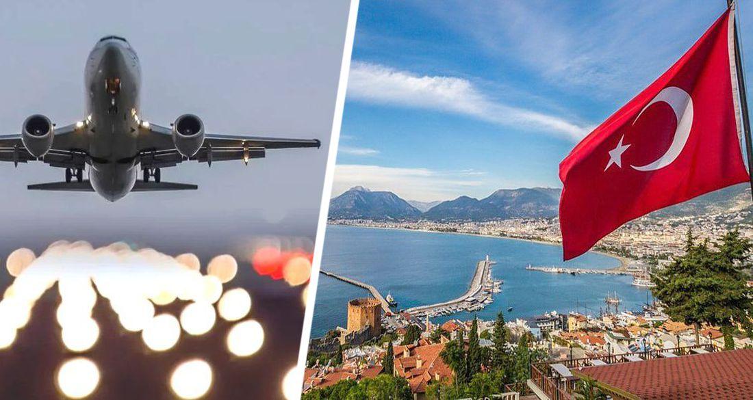 Министр по туризму Турции уточнил дату начала летнего сезона