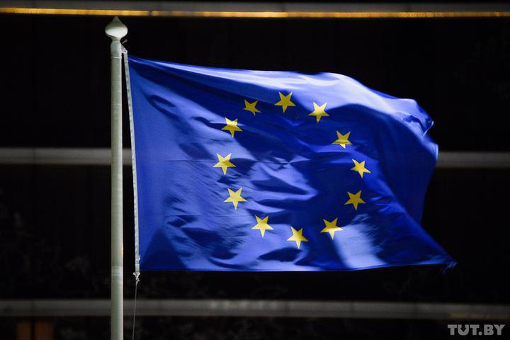 ЕС намерен принимать туристов, привитых одобренными европейским регулятором препаратами