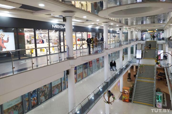 Открыли TikTok-парк, в планах - расчетно-кассовый центр. Как пробуют «оживить» торговый центр «Столица»
